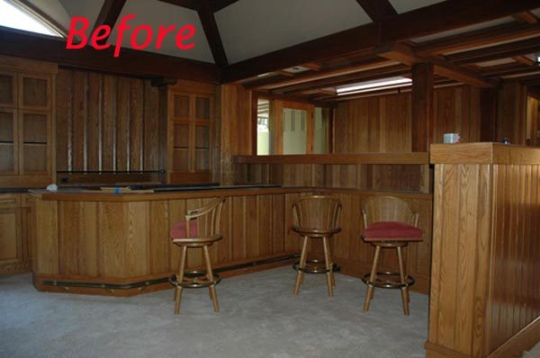 Living Room – Bar Area – BEFORE