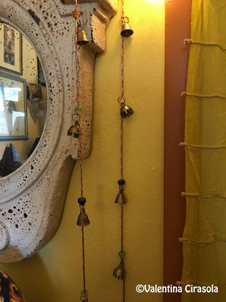 œil de boeuf with bells